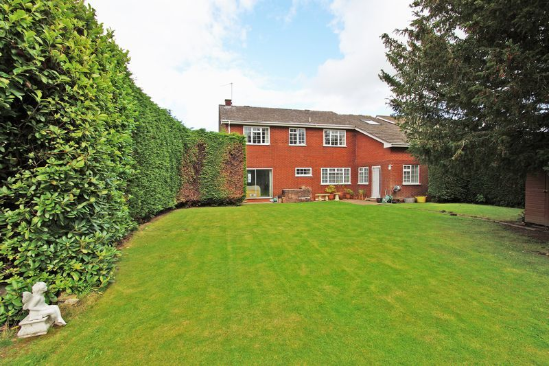 4 bed house for sale in The Ridgeway  - Property Image 20