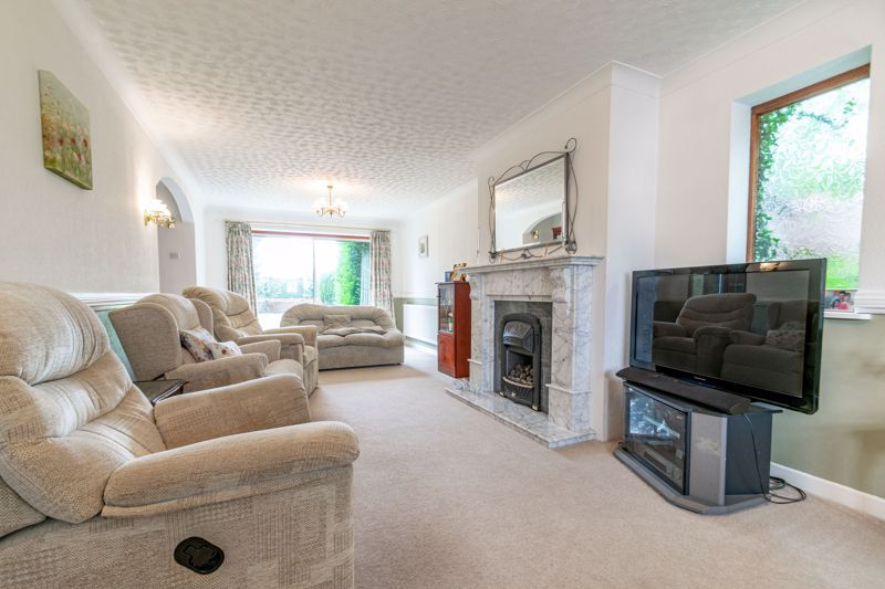 4 bed house for sale in The Ridgeway 4