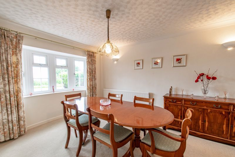 4 bed house for sale in The Ridgeway 5