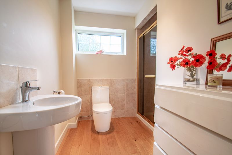 4 bed house for sale in The Ridgeway  - Property Image 10