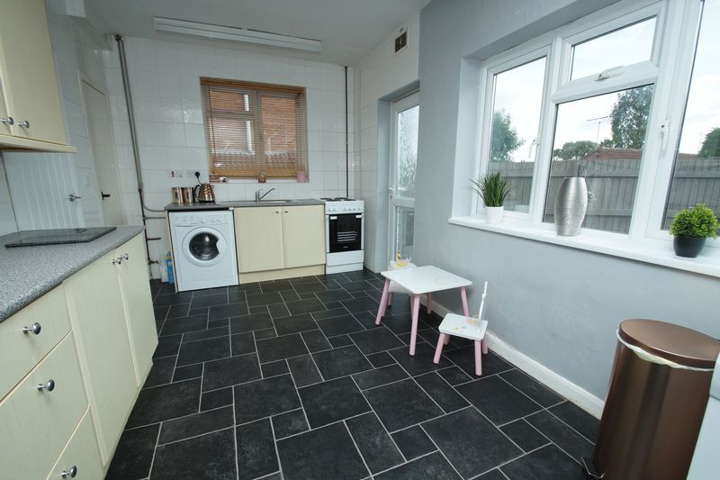 3 bed house for sale in Harport Road 3