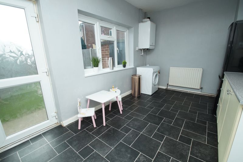 3 bed house for sale in Harport Road  - Property Image 5