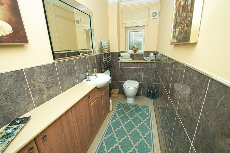 4 bed house for sale in Hither Green Lane 18