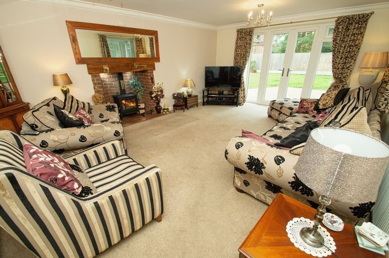 4 bed house for sale in Hither Green Lane 3