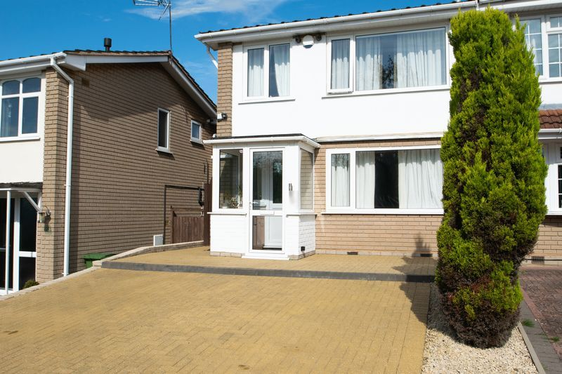 3 bed house for sale in Stamford Road - Property Image 1