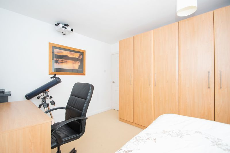 3 bed house for sale in Stamford Road 14