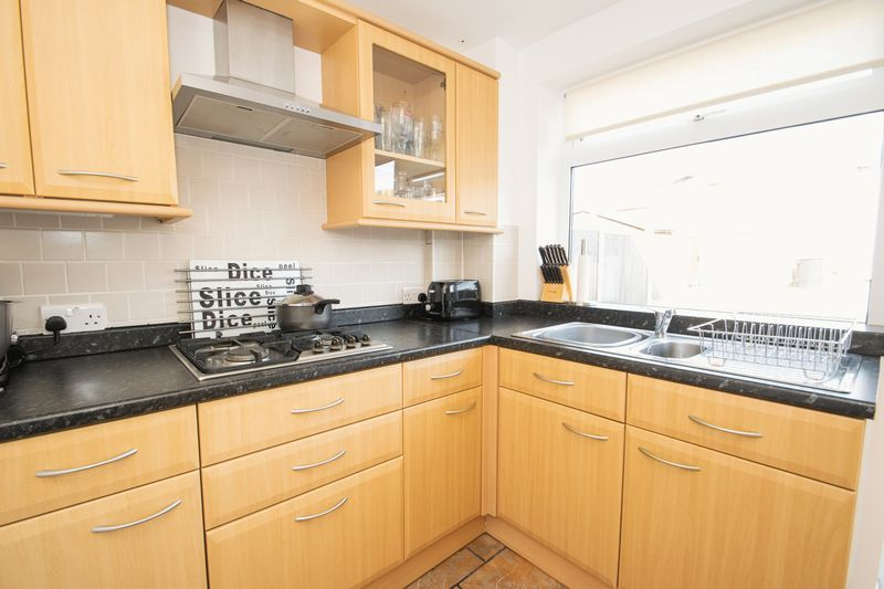 3 bed house for sale in Stamford Road 6