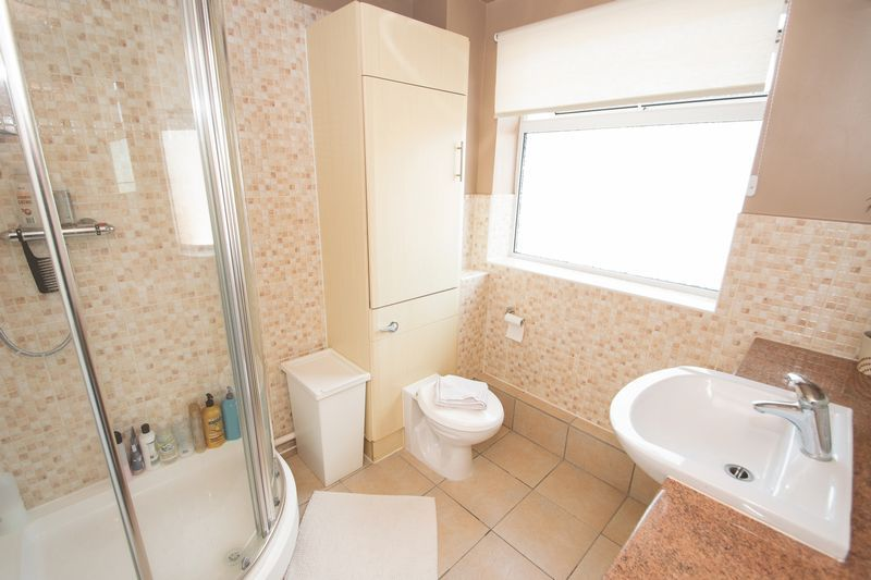 3 bed house for sale in Stamford Road  - Property Image 10