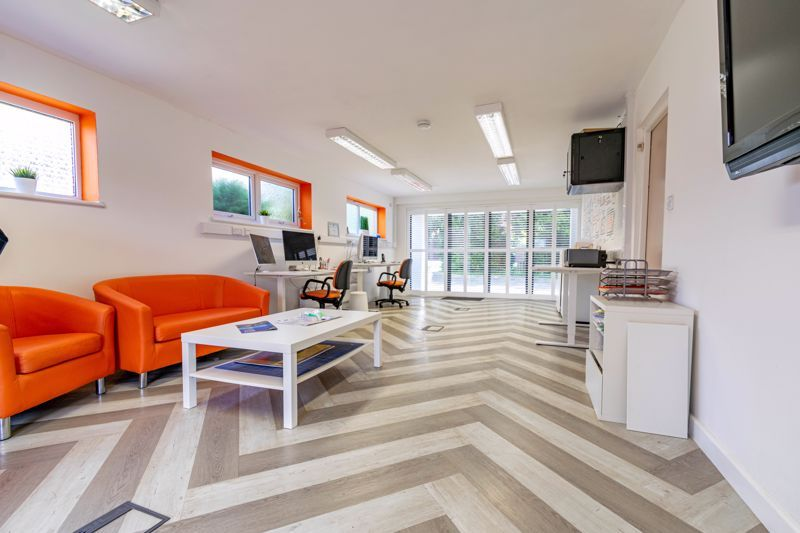 5 bed house for sale in Cottage Lane  - Property Image 5