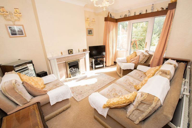 3 bed house for sale in Shenstone Avenue 2