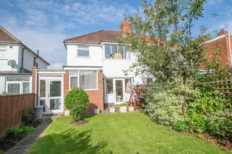 3 bed house for sale in Shenstone Avenue 11