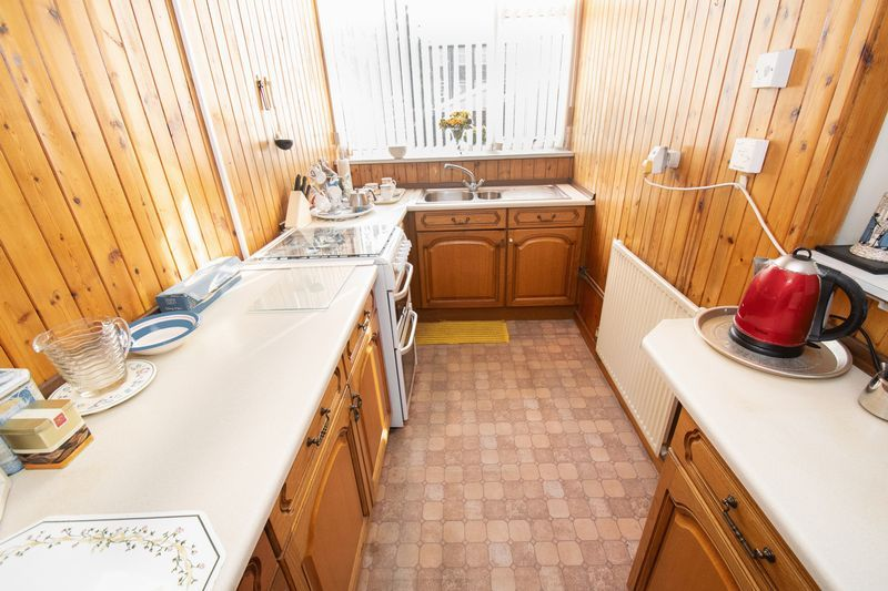 3 bed house for sale in Shenstone Avenue 7