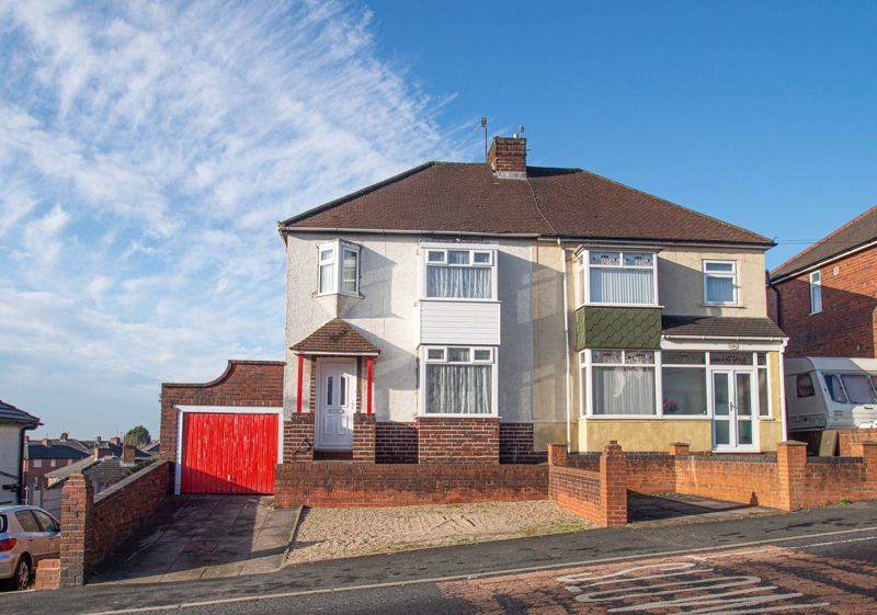 3 bed house for sale in Cradley Road 1