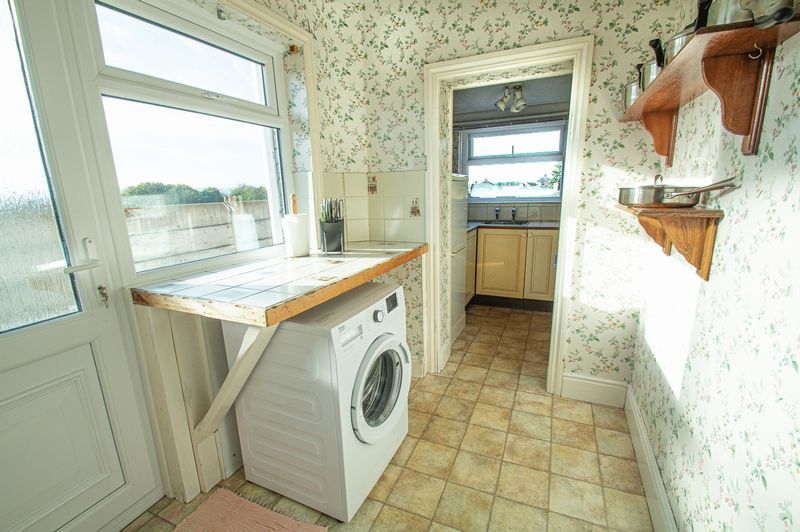 3 bed house for sale in Cradley Road  - Property Image 4