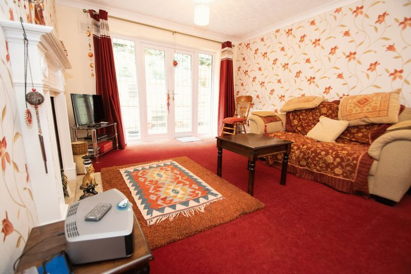 2 bed bungalow for sale in Apperley Way 4