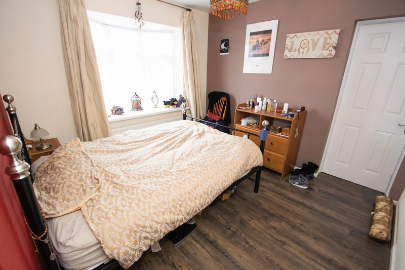 2 bed bungalow for sale in Apperley Way  - Property Image 5