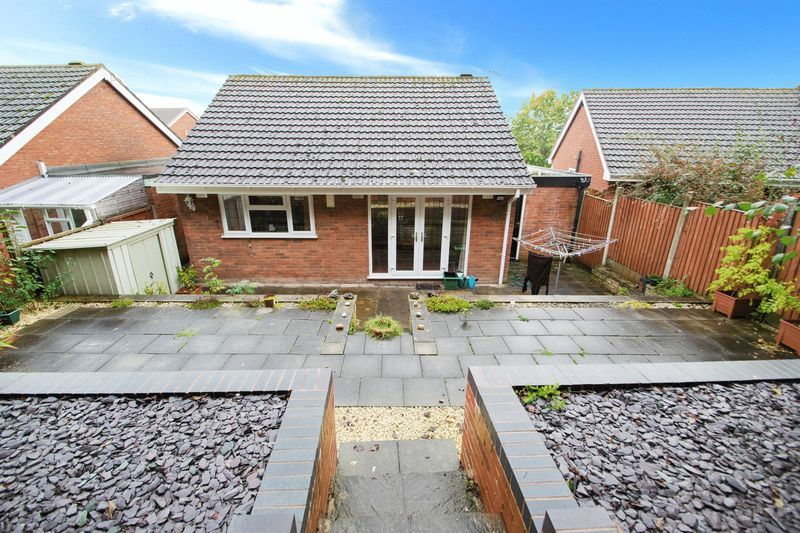 2 bed bungalow for sale in Apperley Way 9