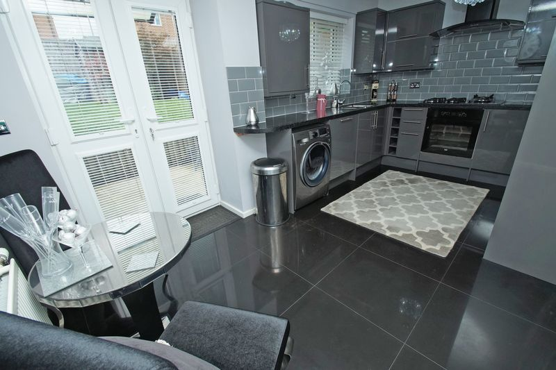 3 bed house for sale in Arlingham Avenue 6