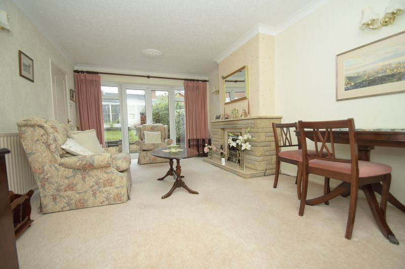 2 bed bungalow for sale in Quorn Crescent 2