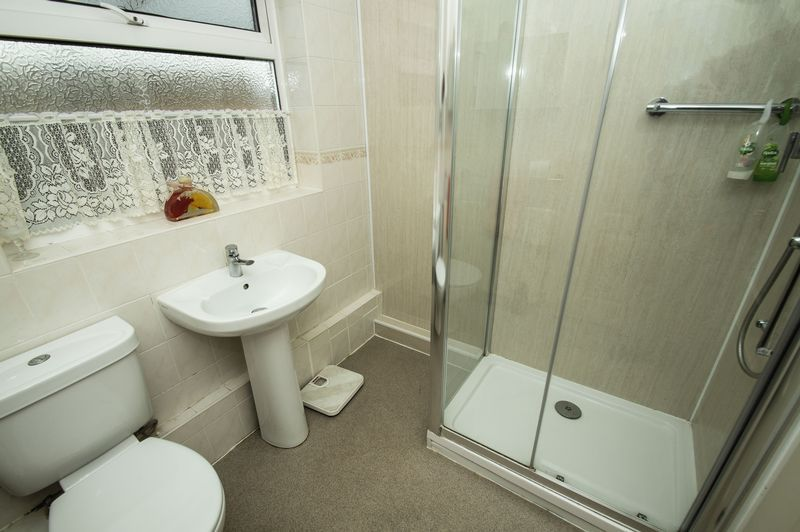 2 bed bungalow for sale in Quorn Crescent 7