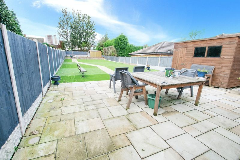 3 bed house for sale in Oldbury Road 13