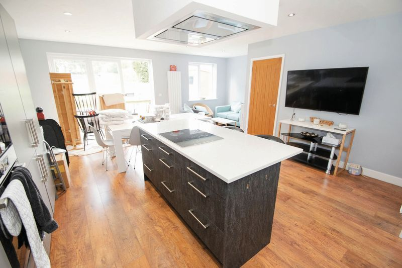 3 bed house for sale in Oldbury Road  - Property Image 4