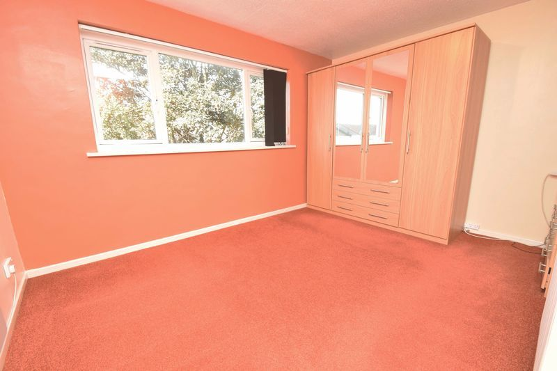 2 bed flat for sale in Lingen Close  - Property Image 8