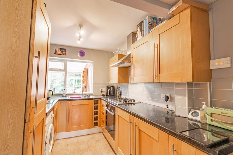 4 bed house for sale in Whittingham Road  - Property Image 4