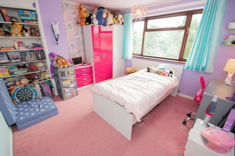 4 bed house for sale in Whittingham Road  - Property Image 8