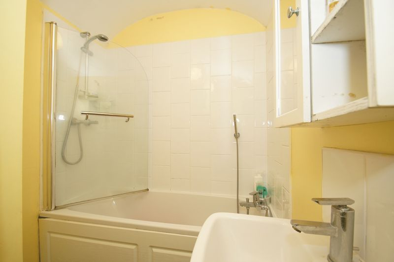 1 bed flat for sale in 80 Prospect Hill  - Property Image 5