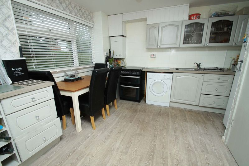 3 bed house for sale in Doverdale Close 2