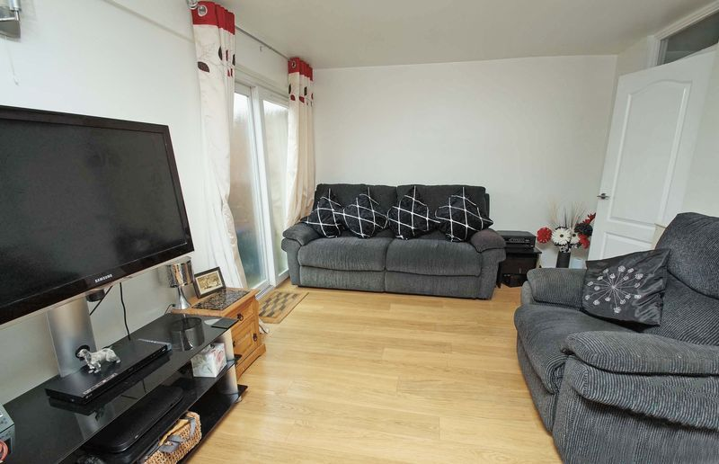 3 bed house for sale in Doverdale Close  - Property Image 3