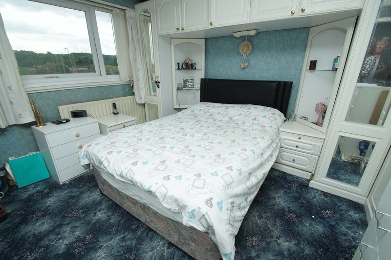 3 bed house for sale in Doverdale Close 5
