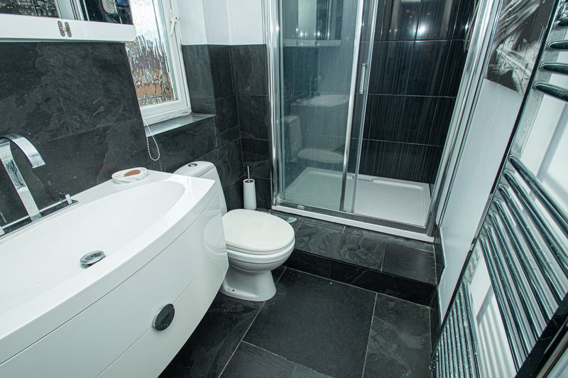 4 bed house for sale in Katmandu Road  - Property Image 15