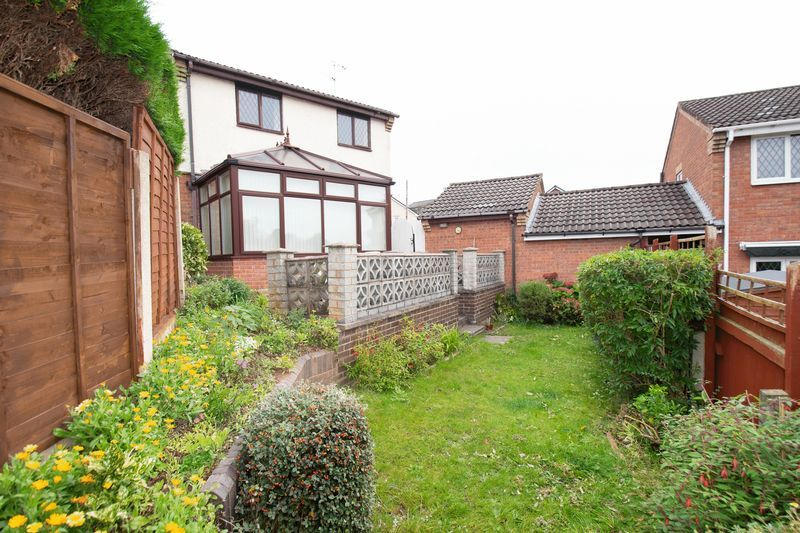 3 bed house for sale in Lodgefield Road 13