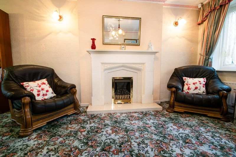 3 bed house for sale in Lodgefield Road 5