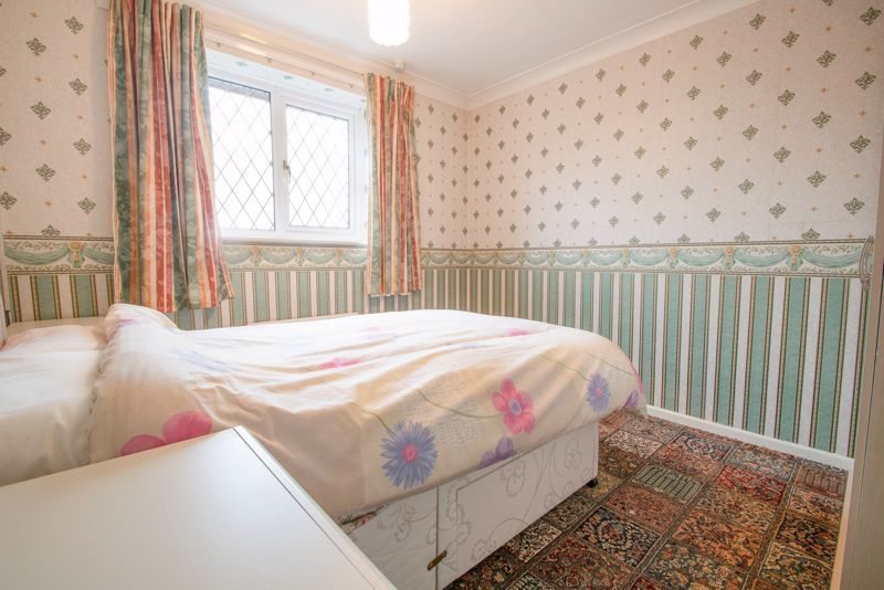 3 bed house for sale in Lodgefield Road 9