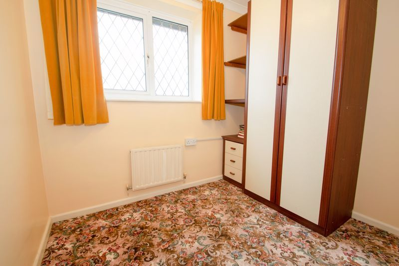3 bed house for sale in Lodgefield Road  - Property Image 10