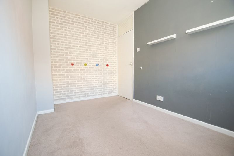 3 bed house for sale in Pippin Avenue 10
