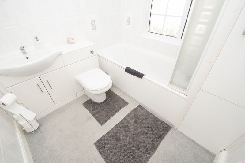 4 bed house for sale in Oak Barn Road  - Property Image 11