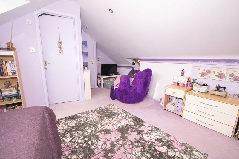 4 bed house for sale in Oak Barn Road  - Property Image 12