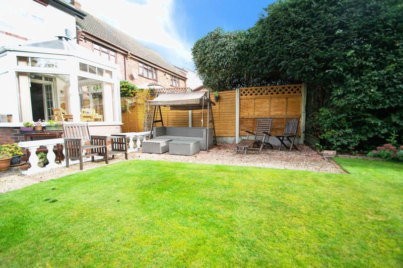 4 bed house for sale in Oak Barn Road 16