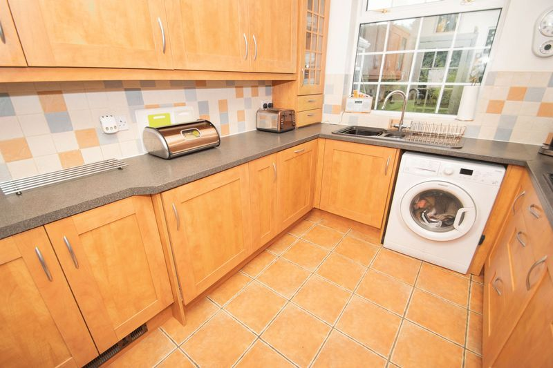 4 bed house for sale in Oak Barn Road 5