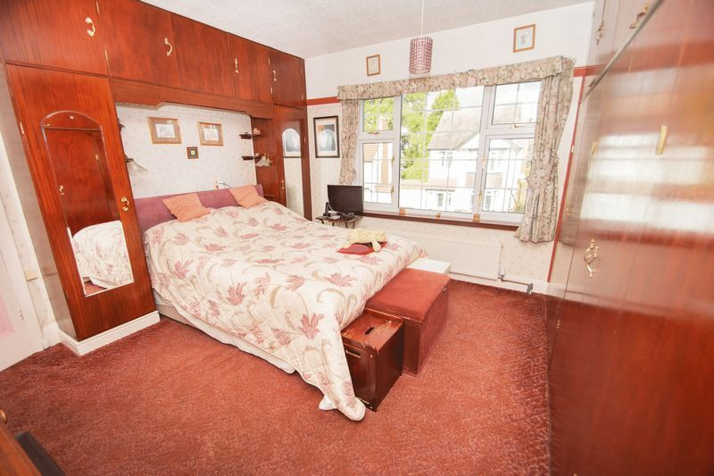 4 bed house for sale in Oak Barn Road  - Property Image 7