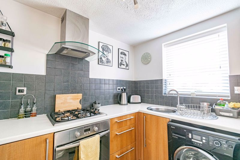 2 bed house for sale in Richardson Drive 5
