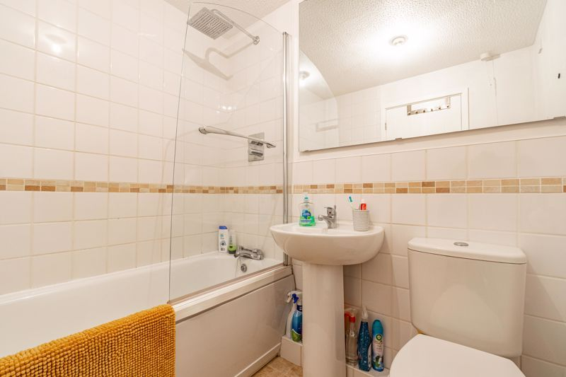 2 bed house for sale in Richardson Drive 10