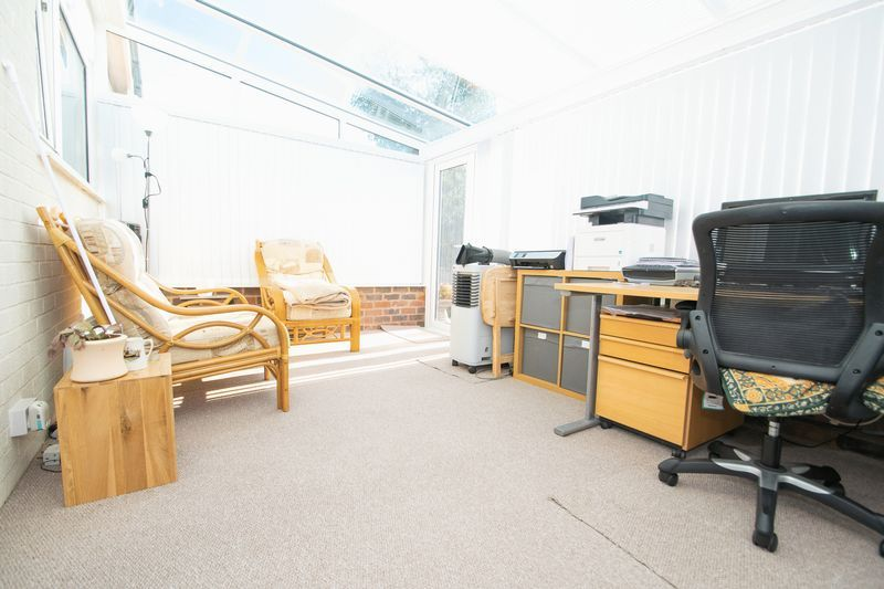 2 bed bungalow for sale in Lodgefield Road 12