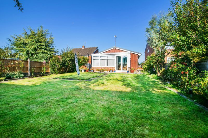 2 bed bungalow for sale in Lodgefield Road  - Property Image 14