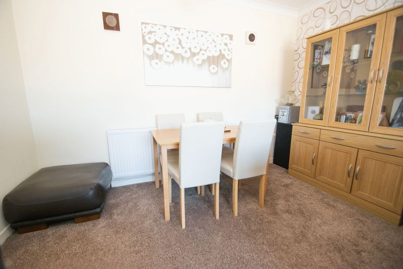2 bed bungalow for sale in Lodgefield Road 4