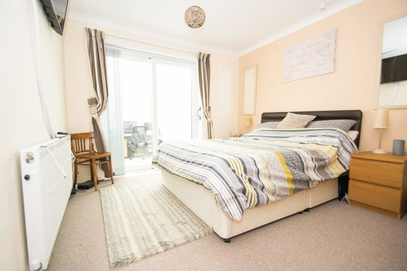 2 bed bungalow for sale in Lodgefield Road  - Property Image 7